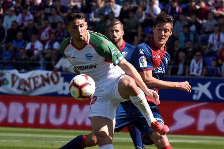 FK Alaves, FK Ueska