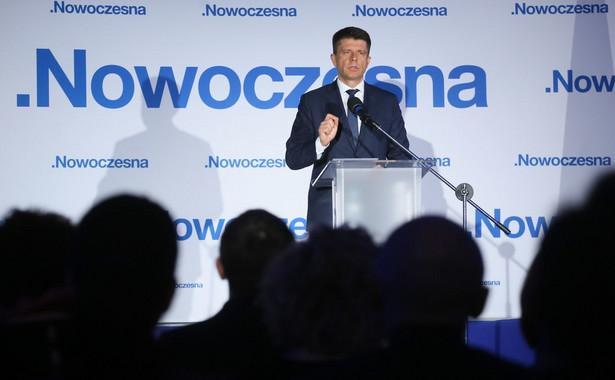 """Lider Nowoczesnej zaznaczył, że w swym liście ocenił też, że Polska """"powinna przyjąć walutę euro tak szybko jak jest to możliwe, zarówno ze względów gospodarczych jak i politycznych"""""""