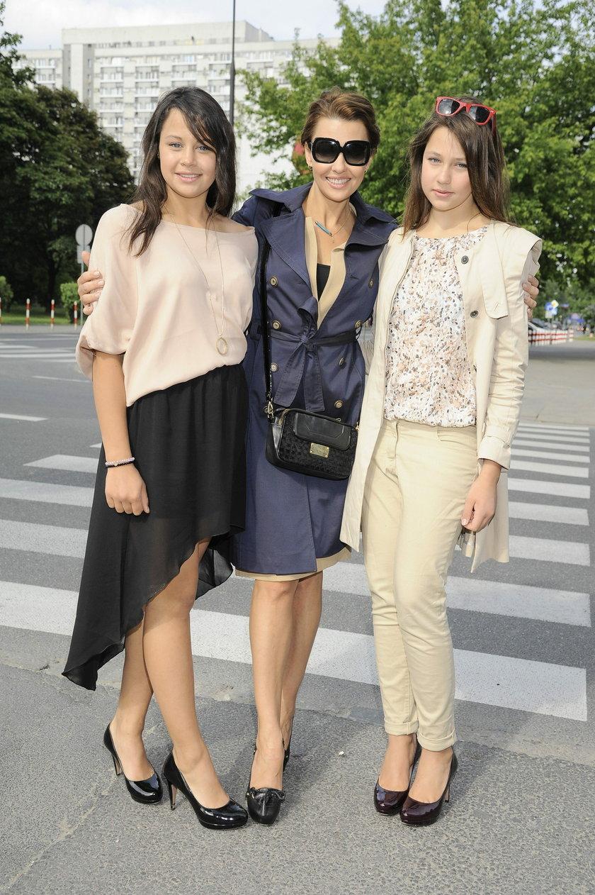 Anna Popek z córkami