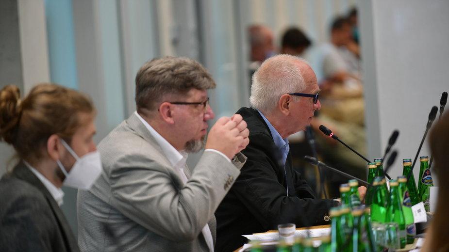 Przewodniczący Krajowej Rady Radiofonii i Telewizji Witold Kołodziejski oraz przewodniczący Rady Mediów Narodowych Krzysztof Czabański
