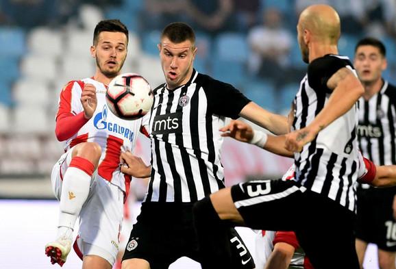 Mirko Ivanić na derbiju Crvena zvezda - Partizan