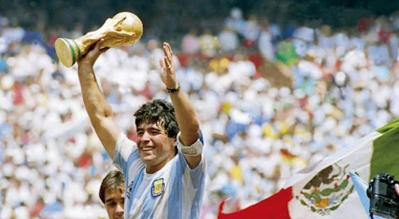 BREAKING: Argentina legend Diego Maradona dies at age 60