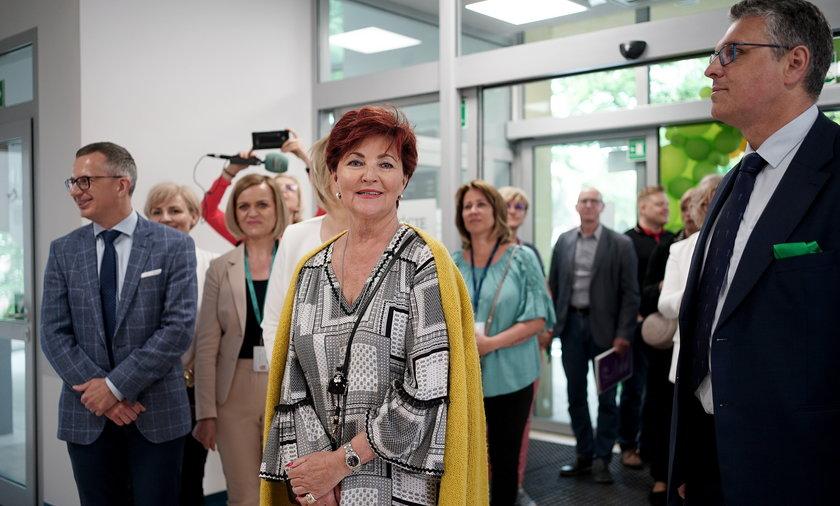 Tak Jolanta Kwaśniewska świętowała imieniny. Otworzyła po remoncie klinikę dla dzieci chorych na raka.