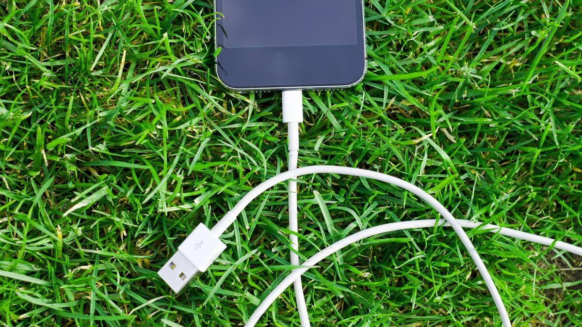 Itt az EU legújabb javaslata: egységes töltő az elektronikus eszközökhöz