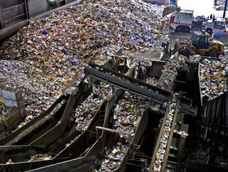 Ozdoba: W Polsce powinna powstać duża spalarnia odpadów niebezpiecznych