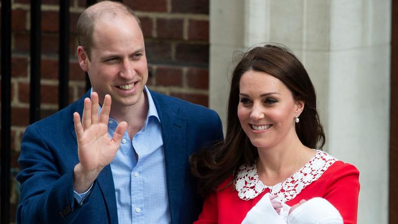 Kate i William przed szpitalem