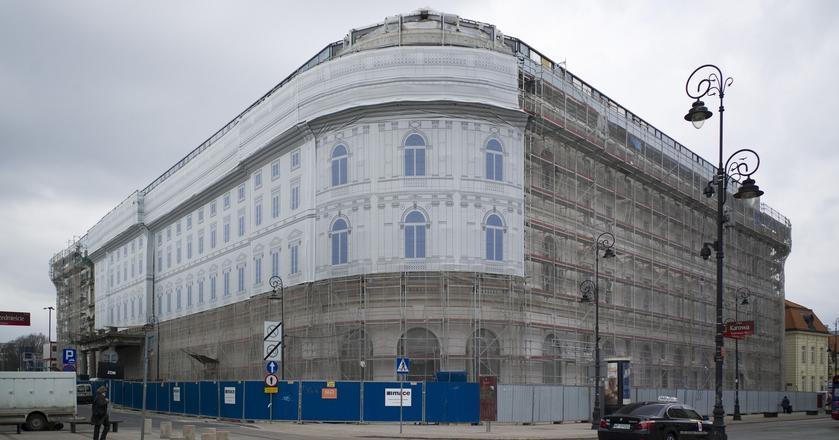 Remontowany Hotel Europejski w Warszawie