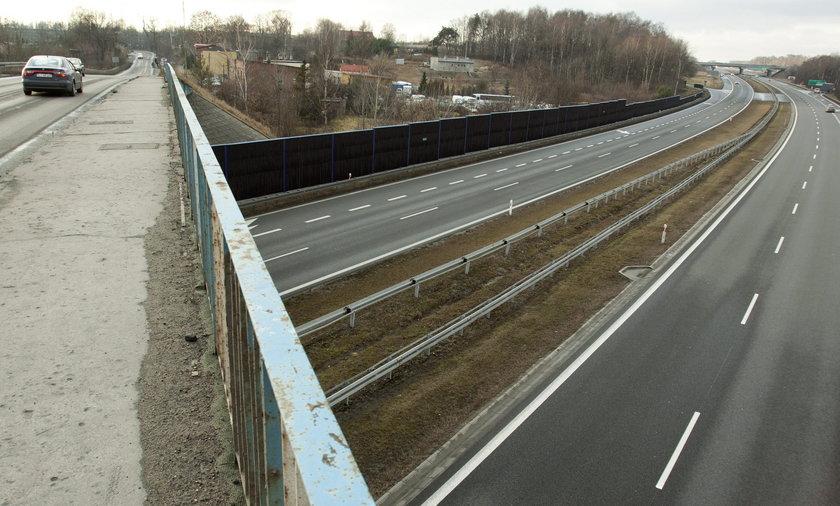 Nastolatek chciał skończyć z wiaduktu na autostradzie