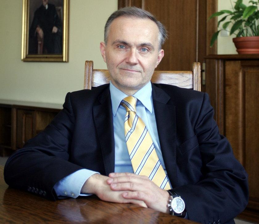 Prezydent Gdyni Wojciech Szczurek w I turze wyborów zdeklasował rywali