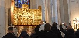 Klejnot w koronie Gdańska odzyskał blask. Odnowiony ołtarz znów zdobi Bazylikę Mariacką