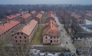 Jan Tomasz Gross w 'FT': Polska chce zafałszować historię Holokaustu
