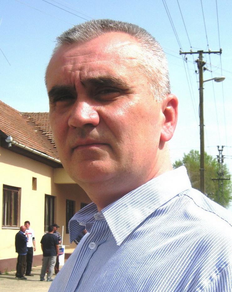 NOVI KNEŽEVAC - Predsednik opstine dr Radovan Uveric