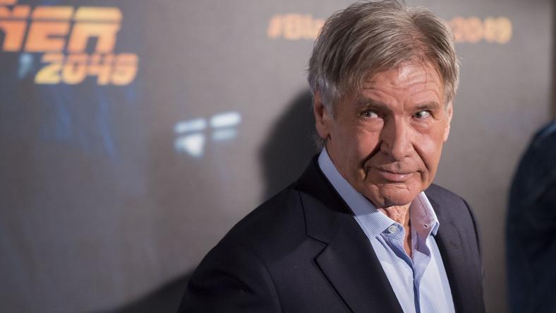 Igazi úriember: hiába használják ki sokan a hírnevet, Harrison Ford inkább két óráig állt sorba a vakcináért
