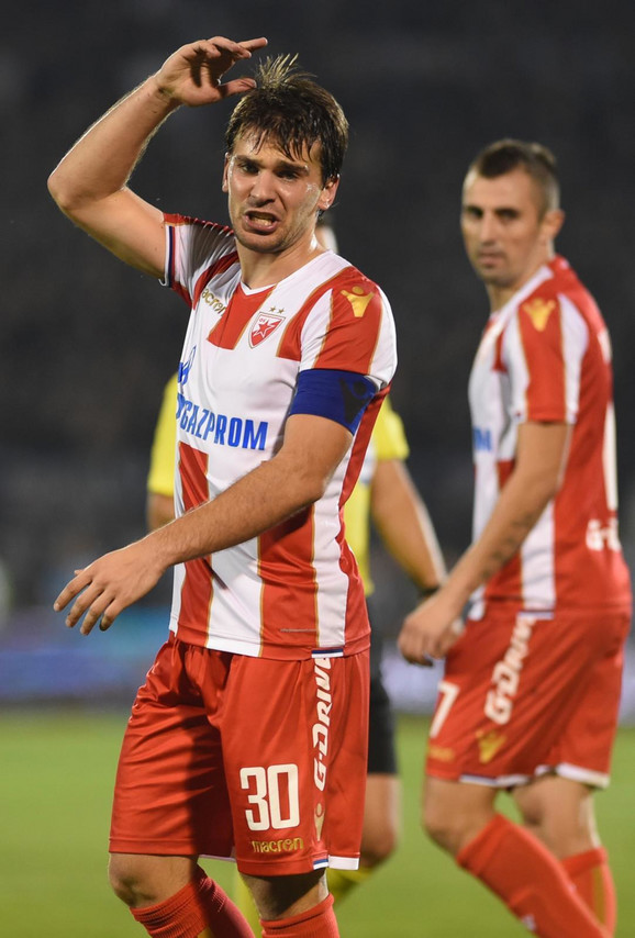 Filip Stojković sa kapitenskom trakom oko ruke