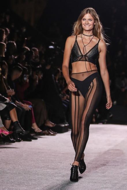 Pokaz kolekcji Etam wiosna/lato 2021 na Paris Fashion Week