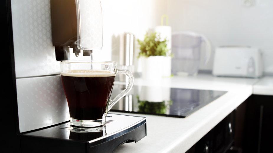 Ekspresy do kawy z wyprzedaży – nie przegap okazji!