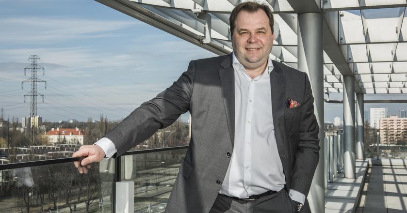 Sebastian Mikosz był prezesem PLL LOT dwukrotnie. Pierwszy raz stery w firmie objął w 2009 roku i prowadził ją do 2011 roku. Na stanowisko wrócił w 2013 roku i zajmował je przez dwa lata
