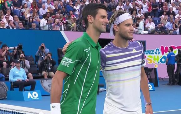 Nole i Tim pred početak zagrevanja uoči finala Australijan opena