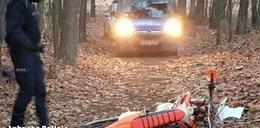 17-latek jechał crossem po lesie. Wjechał w drzewo, nie żyje