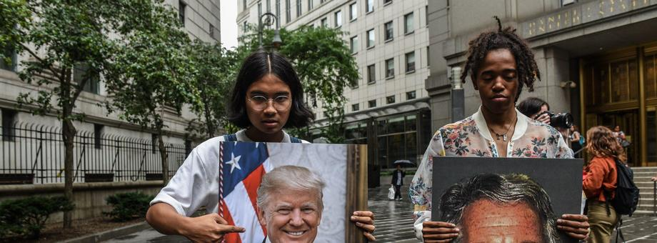 elem.extra_data.originalImage.caption