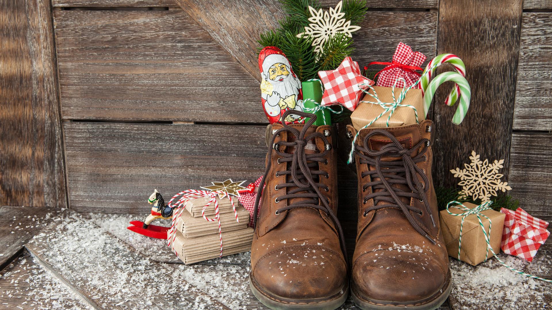 Einbrecher Klaut Geschenke Aus Nikolausstiefel