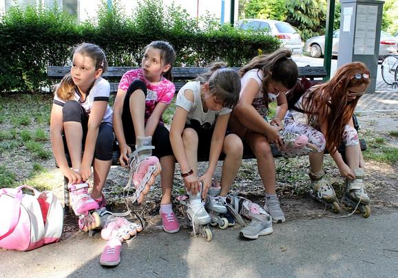 Milica je omiljena među devojčicama iz razreda