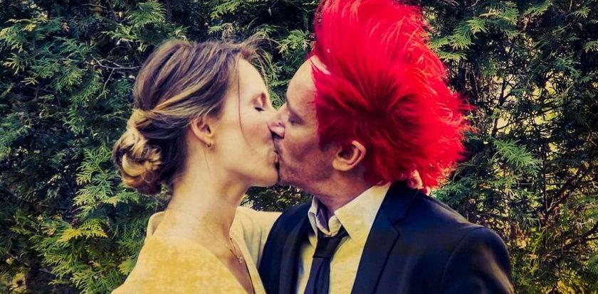 Wszystkie śluby Michała Wiśniewskiego. Kim były żony czerwonowłosego piosenkarza?