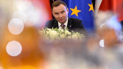 Obniżenie wieku emerytalnego to jedna z kluczowych obietnic wyborczych w kampaniach Andrzeja Dudy oraz Prawa i Sprawiedliwości