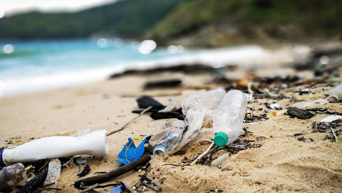 В ЕС запретили одноразовую посуду и ввели налог на пластик