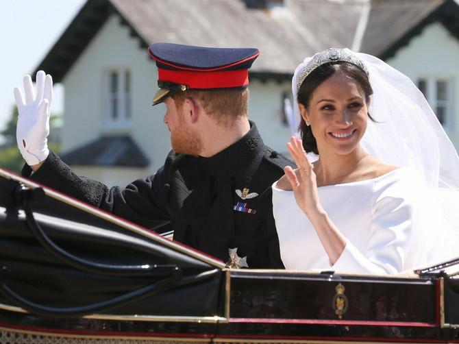 Zašto je Megan izabrala baš ovu venčanicu? Poruka koju šalje dopašće se svim ženama