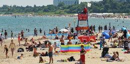 Dramat na sopockiej plaży. Wszedł do morza i stracił przytomność