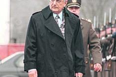 POSAO OD 30 MILIONA EVRA GODIŠNJE Tuđmanov prijatelj drži polovinu srpskog tržišta udžbenika, a optužuju ga za MITO, UCENE I PRLJAVU IGRU