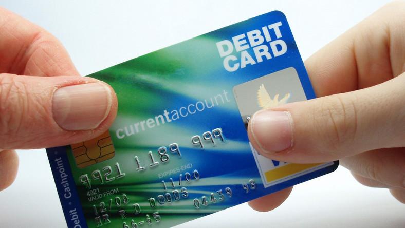 Banki zablokowały już 70 skopiowanych przez złodziei kart