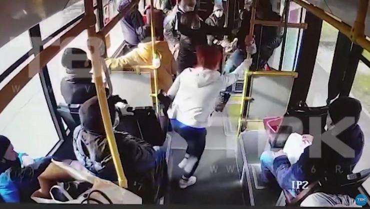 Tuča autobus Rusija