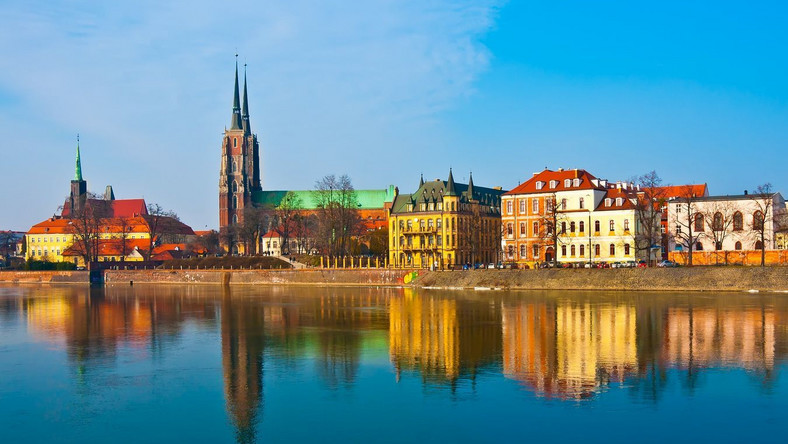 Wrocław lepszym miastem od Warszawy dla menedżerów i specjalistów