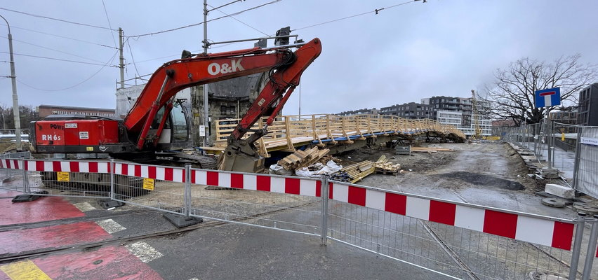 Remont Mostów Pomorskich wkroczył w nowy etap. Zmiany w kursowaniu tramwajów