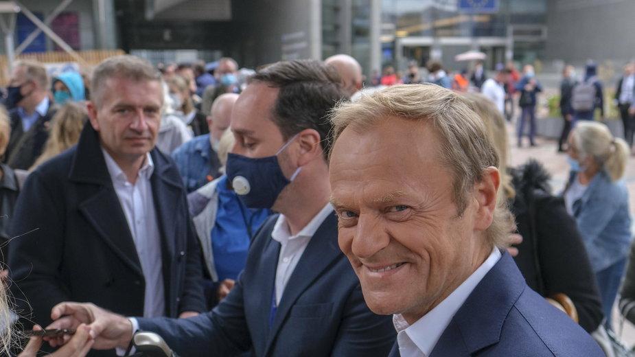 (z prawej) Donald Tusk