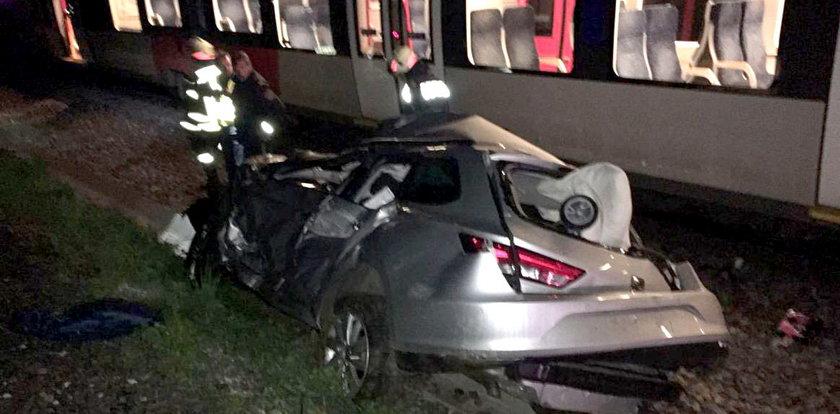 Samobójczyni zjechała ze zbocza pod koła pociągu. Z 2-letnim synkiem!