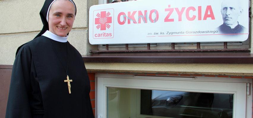 Co się stanie z chłopcem, który trafił do Okna Życia w Tarnowie? Odnaleziono jego rodziców