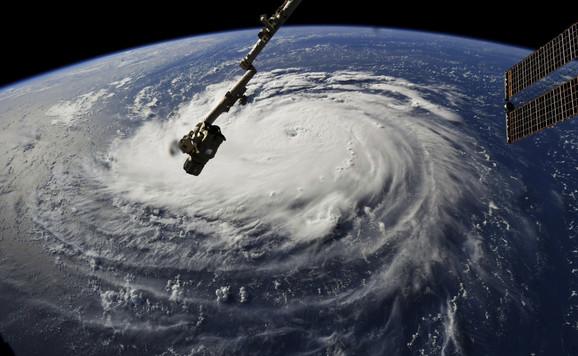 Uragan Florens iz svemira