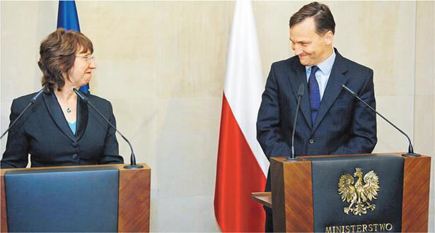 Szefowa unijnej dyplomacji Catherine Ashton i szef polskiego MSZ Radosław Sikorski.