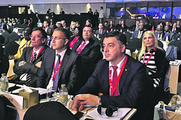 KOSOVO NIJE PRIMLJENO U INTERPOL Debakl Prištine, kosovska delegacija demonstrativno napustila salu