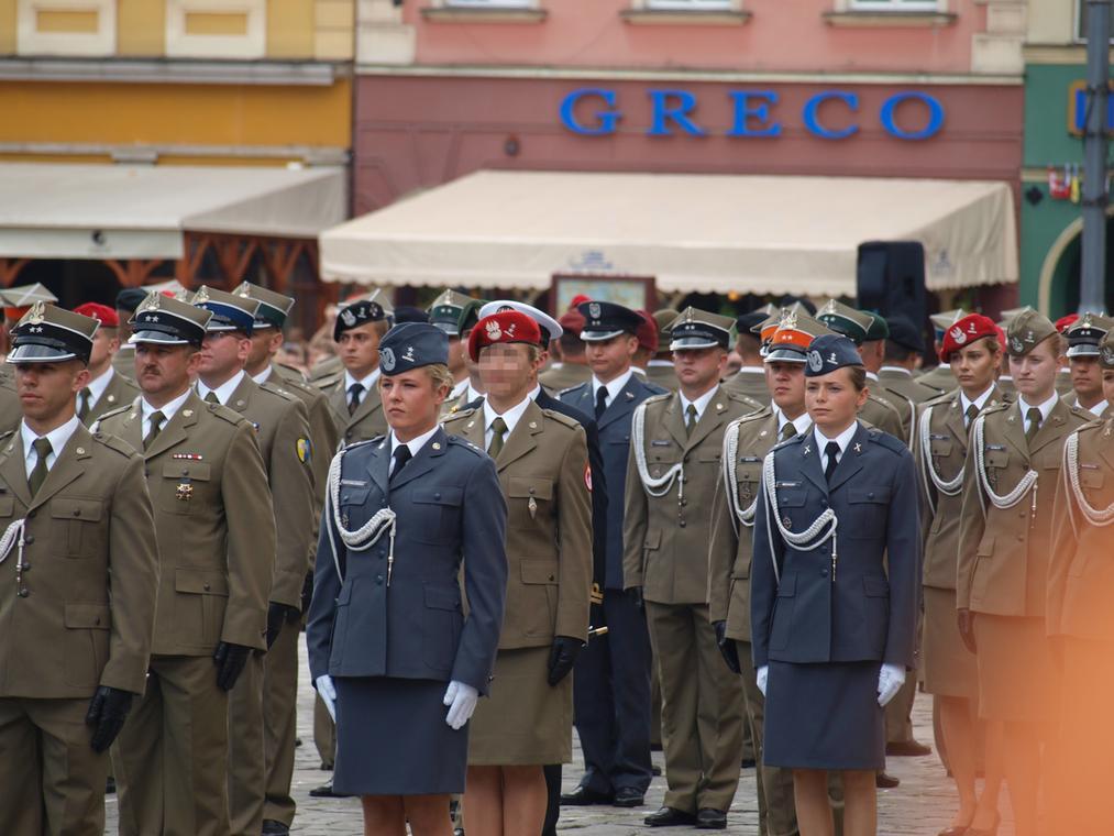 Ppor. Maria stała za największym w historii Żandarmerii Wojskowej aresztowaniem 97 osób w związku z kradzieżą olbrzymich ilości paliwa lotniczego. To nie przeszkodziło jej szefowi przesunąć jej do mniej prestiżowego wydziału, kiedy stała się niewygodna.