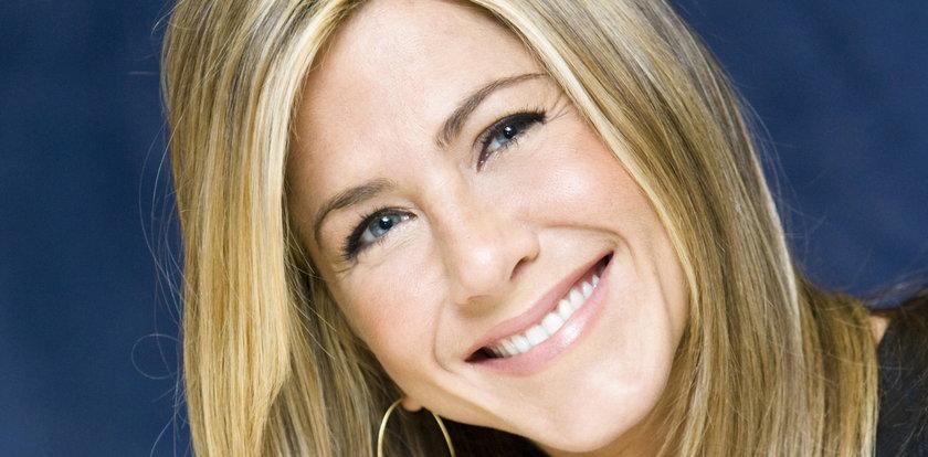 """Jennifer Aniston kończy 52 lata. Tak zmieniała się uwielbiana przez widzów Rachel z """"Przyjaciół"""""""