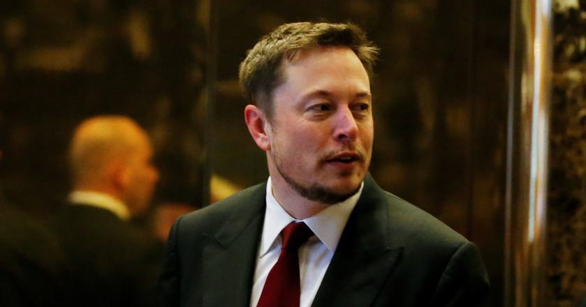 Elon Musk zapowiadał wcześniej, że zostanie w Tesli dłużej. Teraz ma ku temu dodatkowy powód