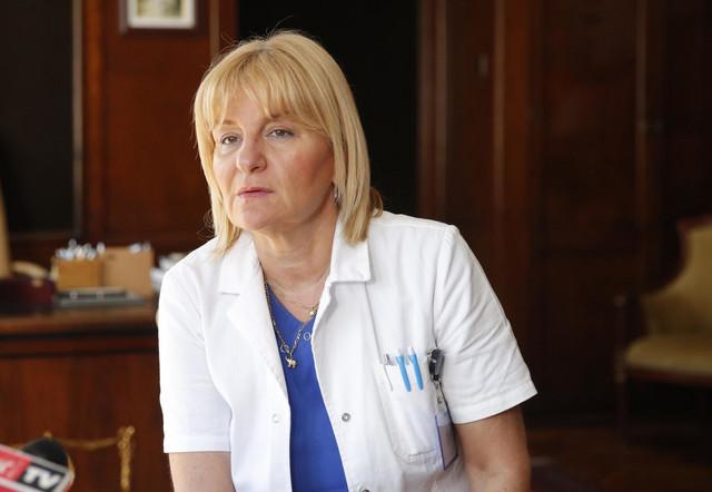 """Direktorka GAK """"Narodni front"""", prof dr Snežana Rakić, koja je takođe učestvovala u operaciji"""