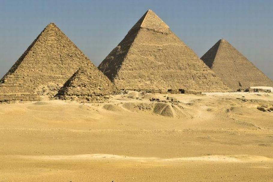 Znalezione obrazy dla zapytania piramidy