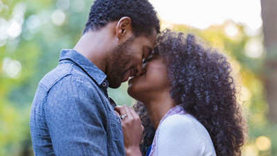 5 reasons to kiss more in your relationship