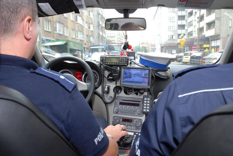 W czasie pomiaru radiowóz powinien jechać z taką samą prędkością, co ścigane auto