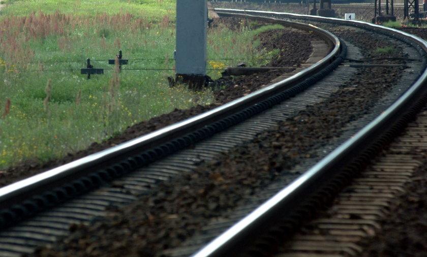 tor kolejowy